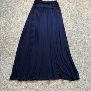 AB Studio navy maxi skirt size large